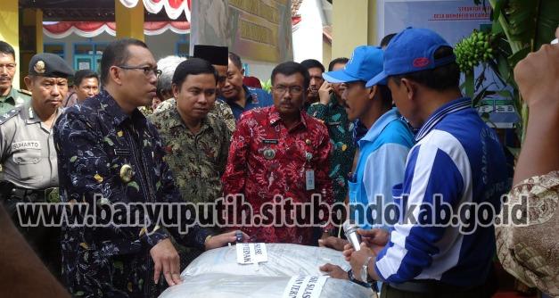 Bupati Situbondo berdialog dengan Petani pengolah Pupuk Bokashi