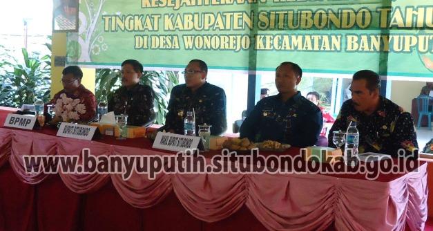 Camat Banyuputih mendampingi Bupati Situbondo beserta Tim Penilai Lomba Desa Tingkat Kabupaten Situbondo Tahun 2012